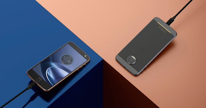 Moto Z Force Droid Edition in situ photography