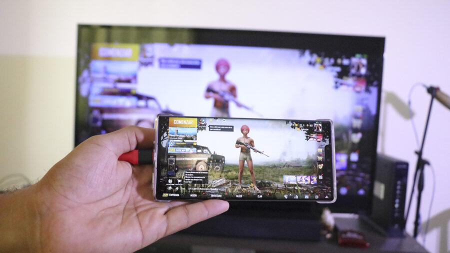 conetcar android a tv, hdmi, hdmi a android, conectar pantalla de celular android a tv, como ver pantalla de telefono android en television, como poner la pantalla de iphone en tv antigua, ver la pantalla de mi telefono en televisor viejo, como, Mira Cómo Se Hace, Cómo Conectar tu Celular a la TV, Cómo Conectar Celular a TV, Conectar Celular a Televisor